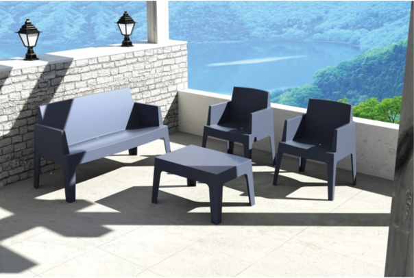 gostinski stoli in mize
